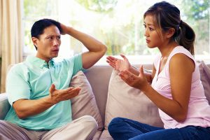 Young couple arguing, needing right way to divorce